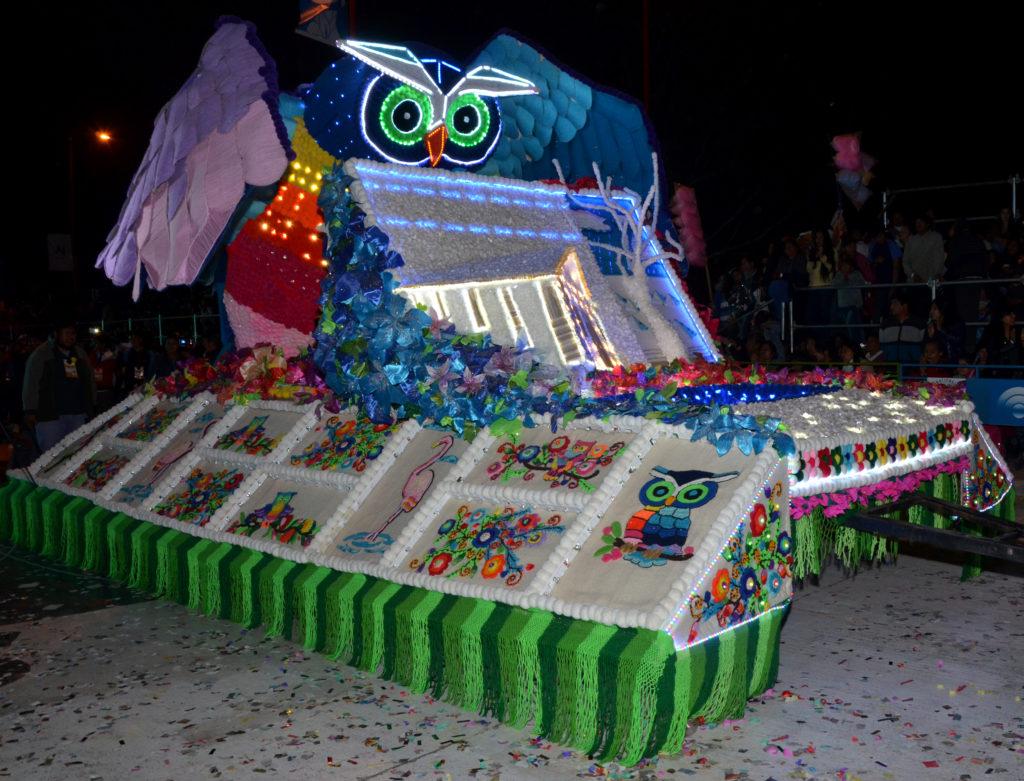 El Carruaje de la Escuela de Tres Pozos de Cochinoca ganó el primer premio en su categoria